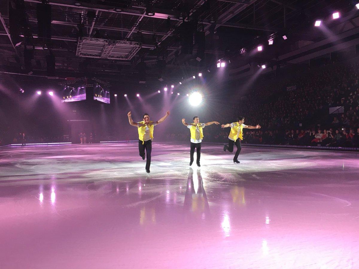 Ледовые шоу-5 - Страница 40 DozFGmeVAAEQ9or