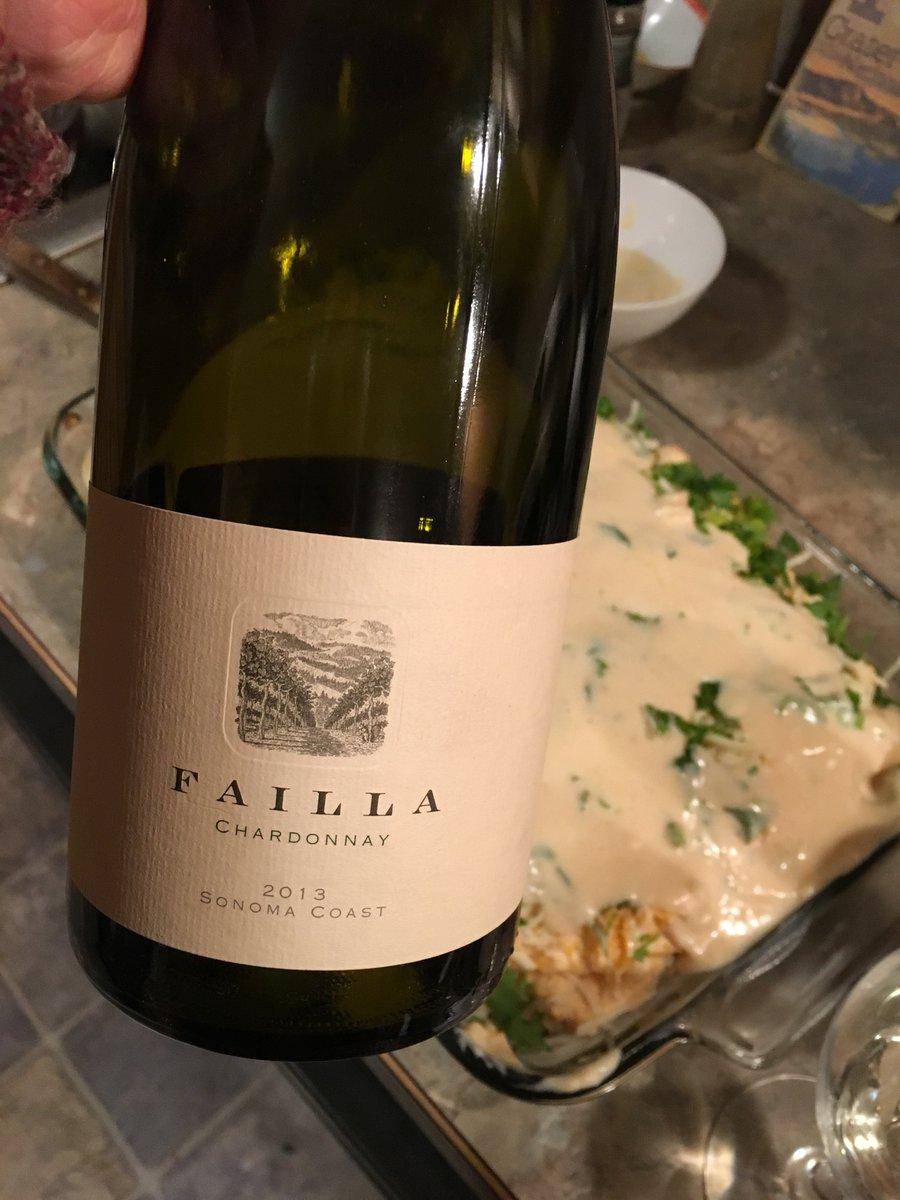 Tasting other Chardonnay with squash lasagna. Good pairing 👍😋🍷. #wine #foodandwine #harvest #dinner #yum https://t.co/4en1ekGr9R