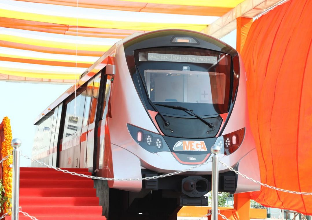 Public display of mock-up version of Ahmedabad Metro coach at Sabarmati Riverfront, Amdavadis flock to have a glimpse