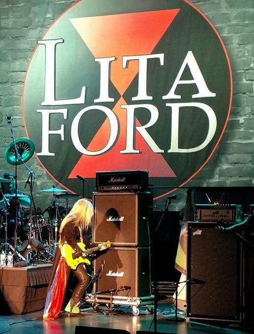 Just arrived in North Dakota! Kentucky and Arkansas up next! Tour Dates / TIX: LitaFordOnline.com Oct 6 - Fort Yates, ND @PrairieKnights ( w/ @Dokken) Oct 13 - Bowling Green, KY @VetteCityMMF Oct 19 - El Dorado, AR @MusicFestElDo (w/ @SammyHagar & The Circle)
