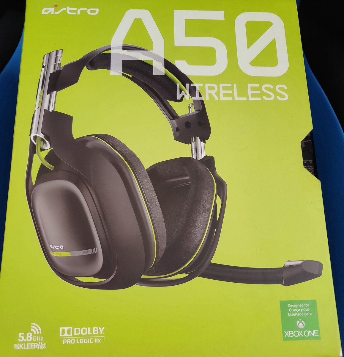 Retweet deze tweet om de Astro A50 headset te winnen! ???????????? twitch.tv/yaraskygaming