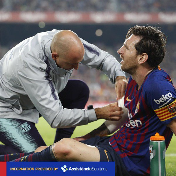 ❗ [INJURY NEWS] Tests carried out on the first team player Leo Messi have confirmed that he has a fracture of the radial bone in his right arm. He will be out for approximately three weeks. #FuerzaLeo