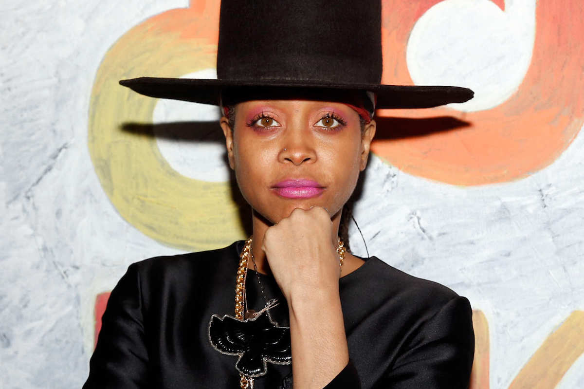 Did you see Erykah Badu (@fatbellybella) DJ and freestyle at the @BET Hip Hop awards? https://t.co/iOGchw0zCJ