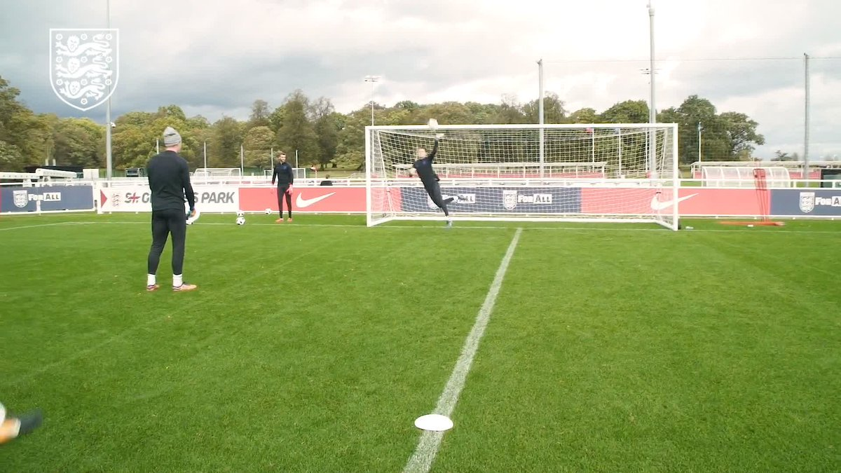 See how the #YoungLions shot-stoppers prepared for this months #U21EURO qualifiers in our new Goalkeeper Training video at YouTube.com/England. 🎥 youtu.be/dKWzMtkyOrY