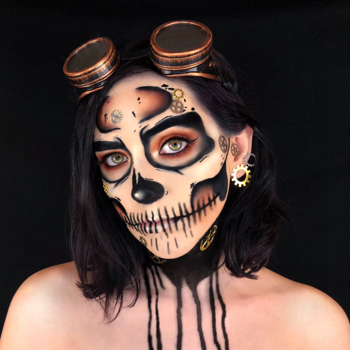 Steampunk skull realness 💀⚙️ I created this look with inspiration from the beautiful @NikkieTutorials ❤️ I also used @JeffreeStar new Supreme Frost in the shade Snow globe and it's beautiful! 😍❤️ #nikkietutorials #jeffreestar #jeffreestarcosmetics #steampunk #halloween