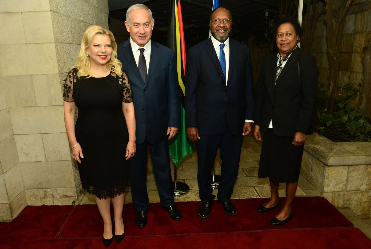 Prime Minister Netanyahu welcomed Vanuatu Prime Minister Salwai on his visit to Israel and said that despite the great distance between the two countries Israel and Vanuatu are close friends that cooperate in water, agriculture and technology.