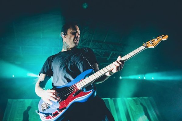 Win a bass