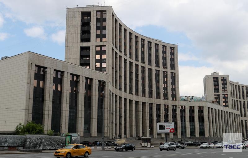 Минфин предлагает выделить Внешэкономбанку еще 25,45 млрд рублей на выплату внешнего долга https://t.co/BwIwjtYkl7
