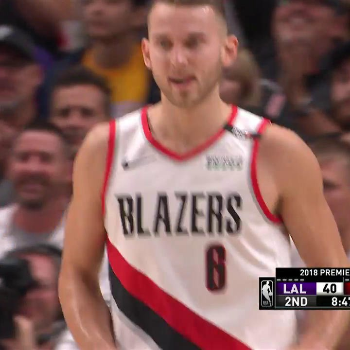 Nik Stauskas is on FIRE ��  He now has 16 PTS & 4 3PM  #RipCity https://t.co/SJdDmSGRno