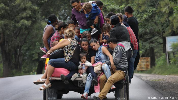 🌎 Caravana: la desesperación de los migrantes que arriesgan la vida para cruzar frontera de Honduras » https://t.co/aMoiBOZZS9