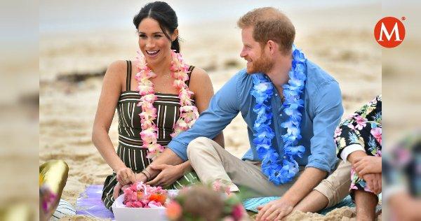 ▶VIDEO   Meghan y Harry hablaron sobre el nombre del próximo #RoyalBaby https://t.co/yo5qihLVMR https://t.co/Fo1sG5vARQ