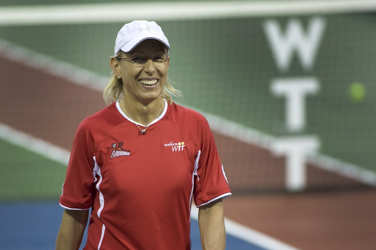 Happy birthday to an absolute legend of the sport!!! #WTTFamily @Martina 🎂🎈🎉🎾