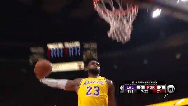 LeBron James THROWS IT DOWN for the @Lakers! ����  ��: #LakeShow x #RipCity   ��: @NBAonTNT https://t.co/l4VrJPpAzR