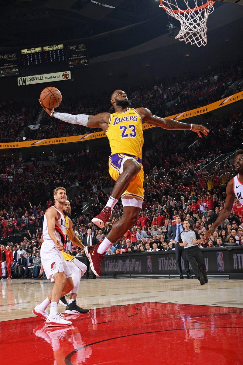 216ec00d84cc  KingJames wearing the Nike LeBron 16. 🔥 pic.twitter.com F5IVNLdVTw