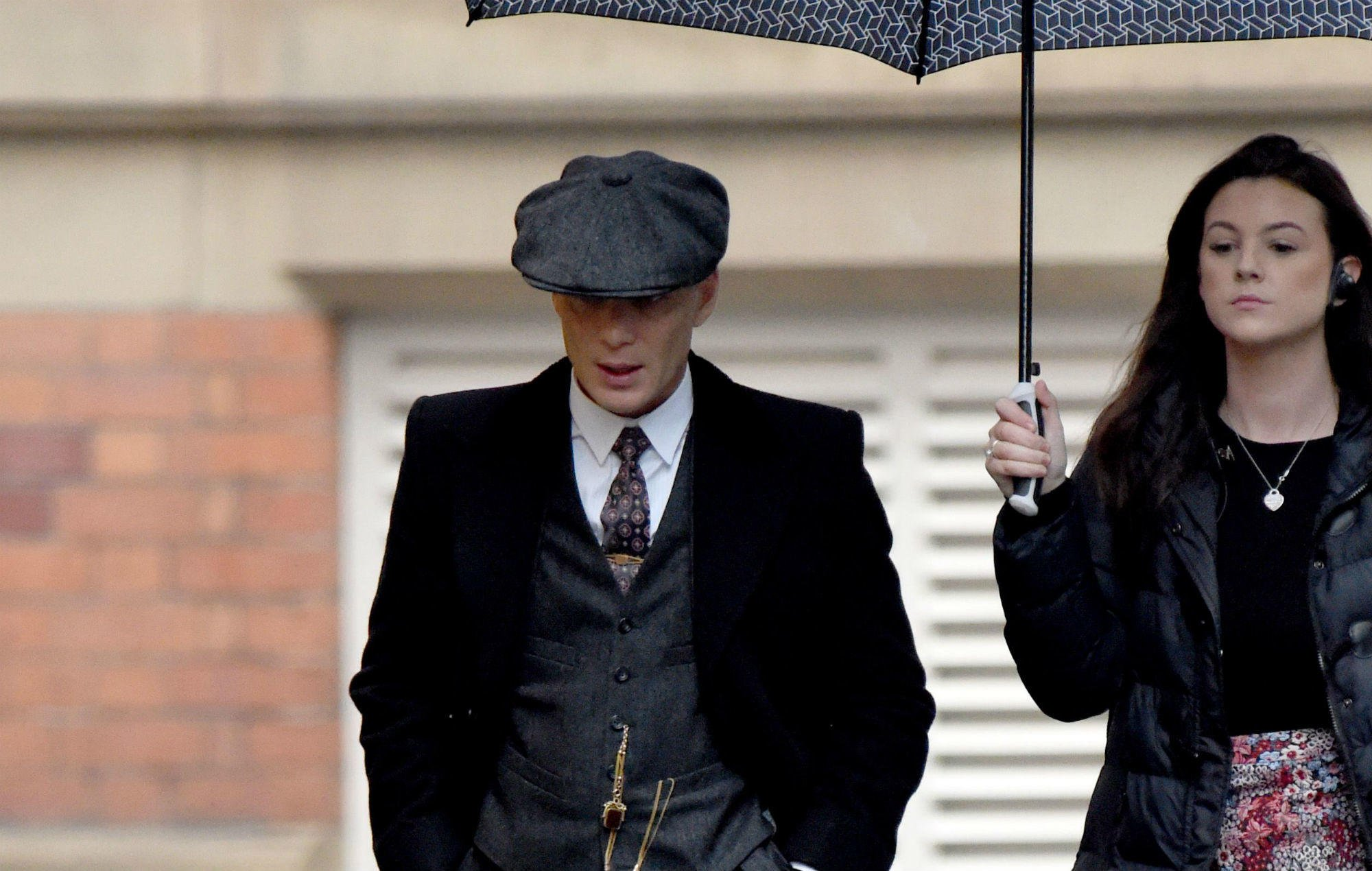 Check out the latest new cast members and new photos for 'Peaky Blinders' series 5 https://t.co/dTfsXm7P0l https://t.co/t49EJboQgv