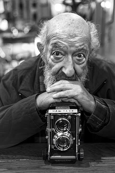 En iyi fotoğraf makinesi en iyi resmi çekseydi, en iyi daktilo en iyi yazıyı yazardı.. #AraGüler