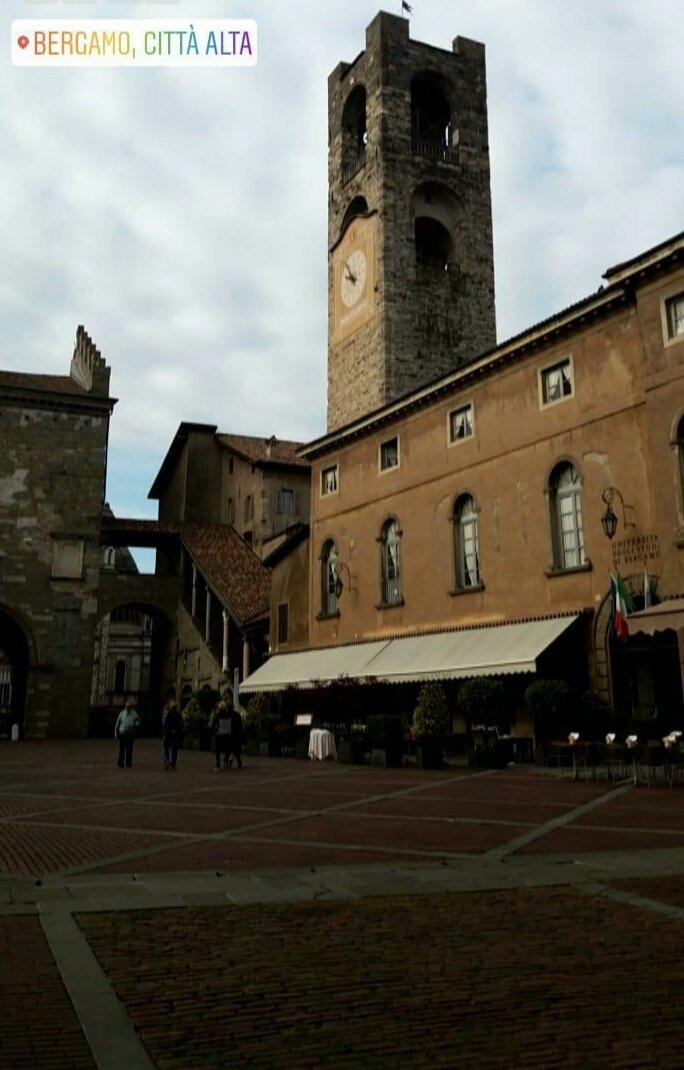 Bergamo via @monicaadamo965 #travel #bergamo #italy #beautyfromitaly https://t.co/7dzRuABSjZ