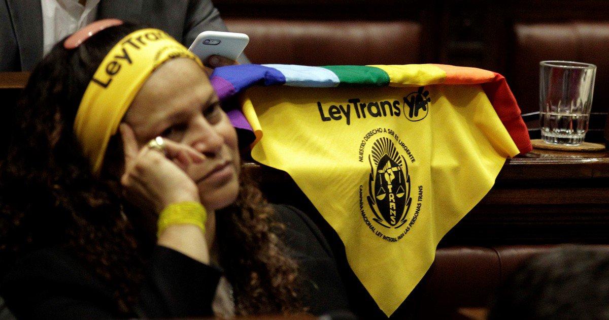 Uruguay: la Cámara de Diputados aprobó una Ley Integral para Personas Trans https://t.co/ZE0lJSteoM