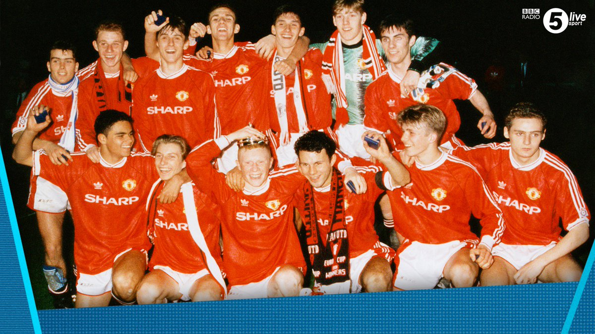 Coming up on @RobbieSavage8's Premier League Breakfast 🍳⚽️  We're having a class of '92 special 🔴  Ryan Giggs, Paul Scholes, Phil Neville, Keith Gillespie, Chris Casper & Ben Thornley are all joining Robbie at the earlier time of 0820 ⏰  📻 https://t.co/NI1sjtGRxI