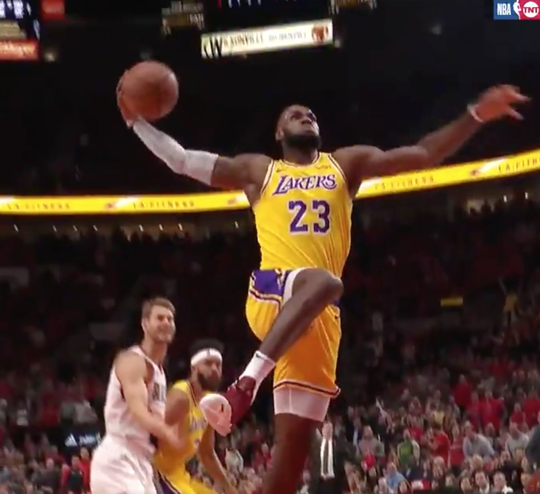 �� The LeBron era is underway for the #LakeShow ��  ��: 26 PTS, 12 REB, 6 AST https://t.co/hybXhz38Ow