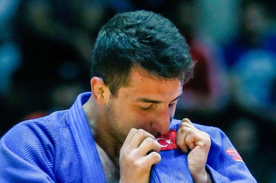 Bilal Çiloğlu'ndan Dünya Gençler Judo Şampiyonası'nda altın madalya 🥇 👉 ntvspor.net/diger-sporlar/…