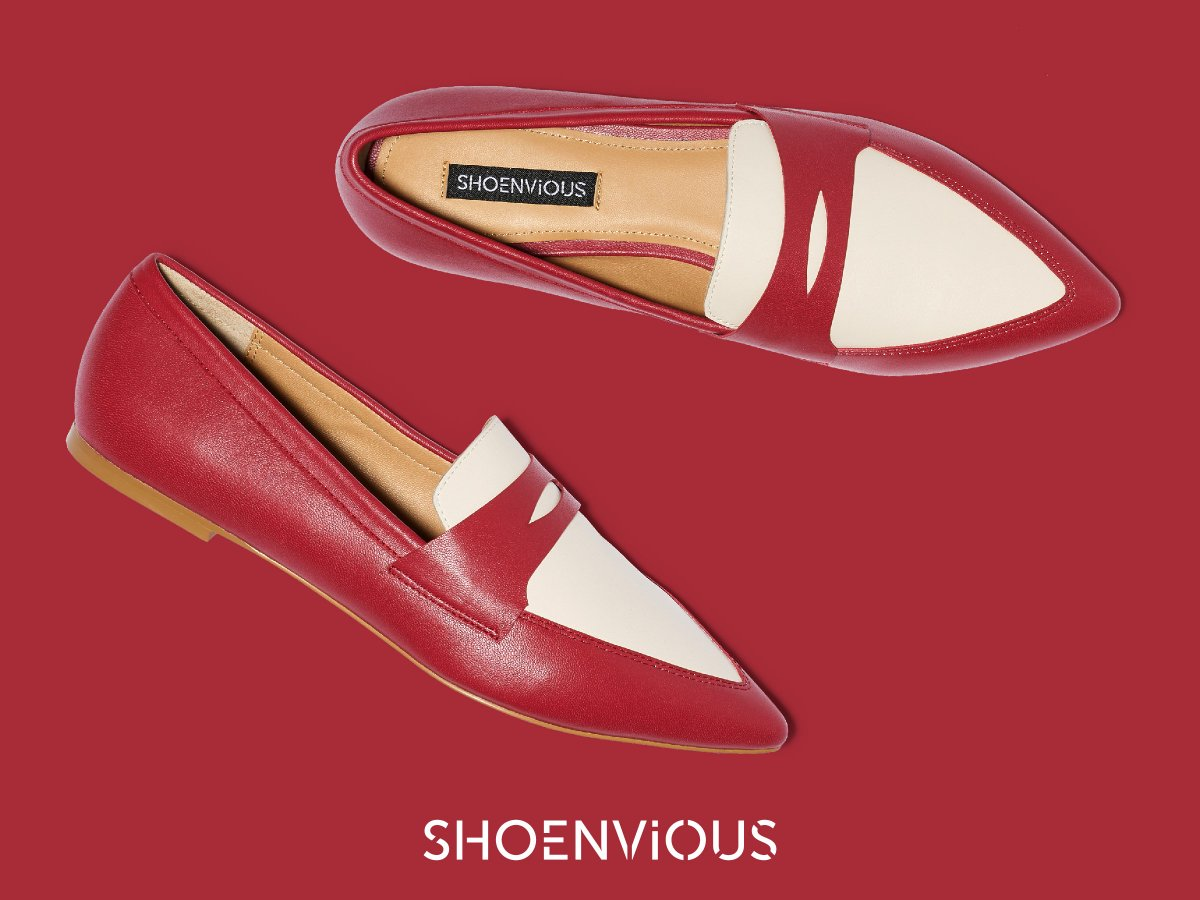 THE TIMELESS LOAFER. Pair it with a pencil skirt, ripped skinnies in a dark wash or boyfriend jeans and a white button-down. Pop on a pair and voilà, you have instant smart-casual outfit gratification.   Design your own at https://t.co/Y97j5WiKcW  #designyourshoes #customshoes https://t.co/FS93qiYXZs
