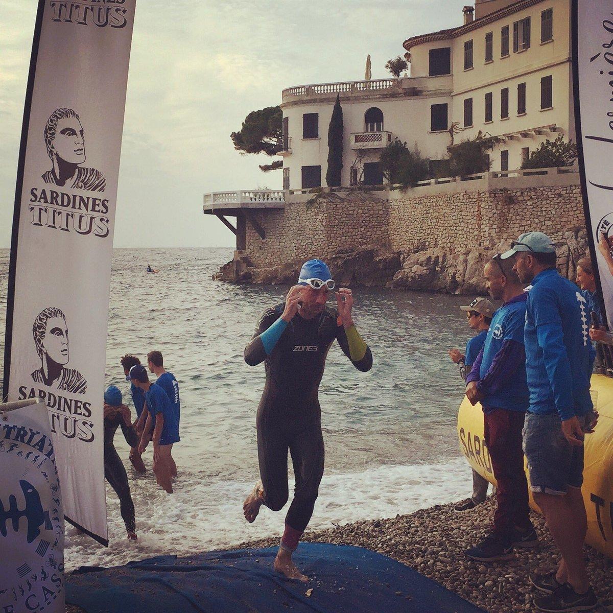 Ouf la #natation  c'est finit Allez plus que le #vélo et le #running C'était dimanche dernier lors du #triathlon M des @sardines_triathlon  à #Cassis #sport #SKINS #Hoka #swim #swimbikerun #Ironman #XTriathlon #Marseille #3athlonlife #aquathlon #Zone3 #IRaceZone3  - FestivalFocus