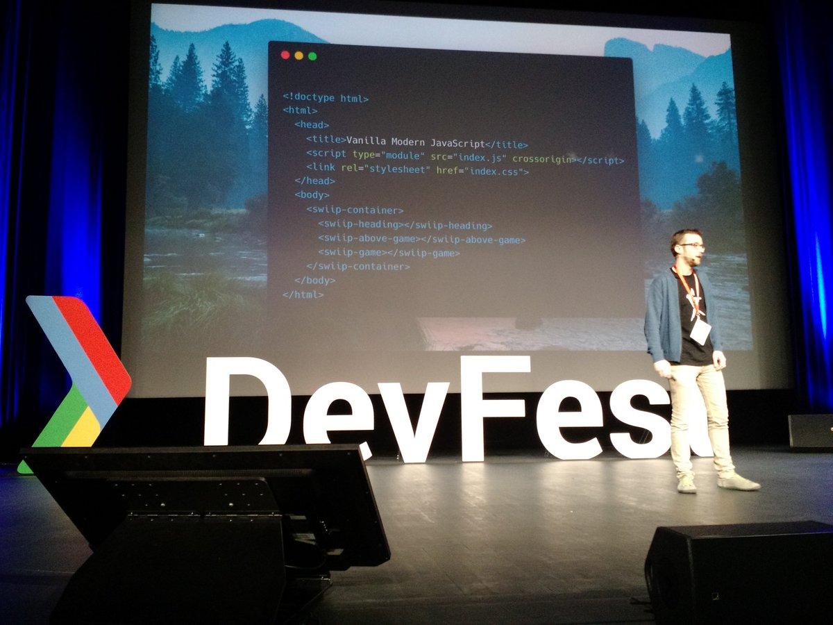 Matthieu LUX montrant les web components