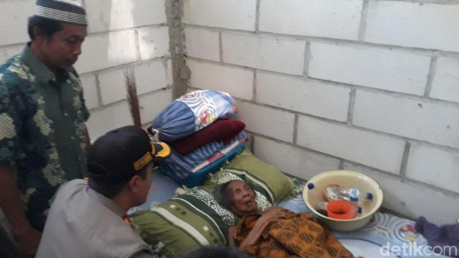 Berkat Polisi, Nenek Kasrini Kini Tinggal di Rumah Layak Huni https://t.co/G7aOYcBShe https://t.co/EdpohnwjKY