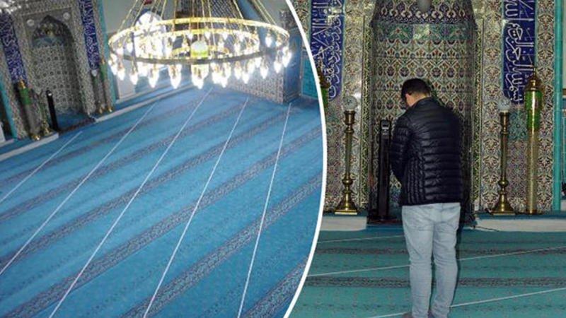 イスラム寺院が方角をいい加減に建設したため、教徒が37年間メッカでない方を向いて祈っていたことが判明 白線を引いて方向をあらーためた=西トルコ  https://t.co/ip89Z1X4w3