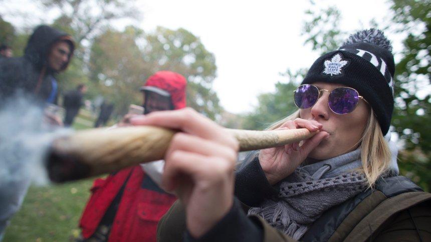 Kurz nach der Legalisierung: Kanada geht das Gras aus https://t.co/RkFDsBc4Lc