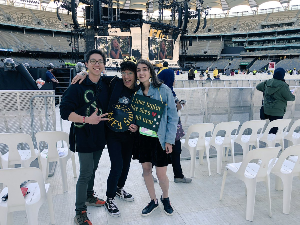 Doors are open in PERTH! 🌟 #repTourPerth