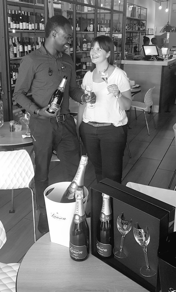 It's #ChampagneDay @lewinechambre and @ChampagneLanson Black Label Brut NV come celebrate with us 🥂