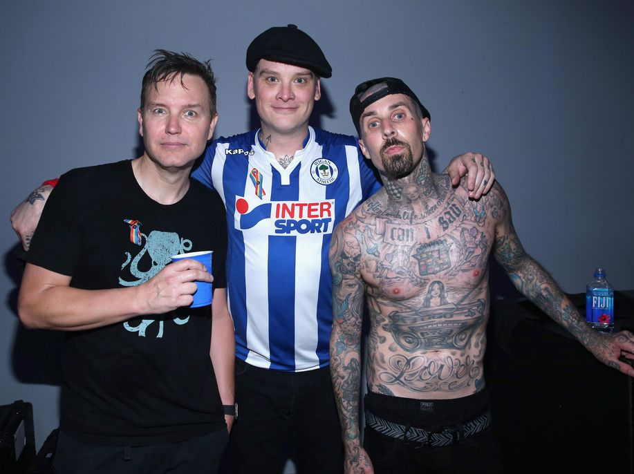 Kicauan Tom DeLonge-Travis Barker Ternyata Bukan Tentang Reuni Blink-182 https://t.co/BWxvh8htcB via @detikhot https://t.co/rZpV3AZQwH