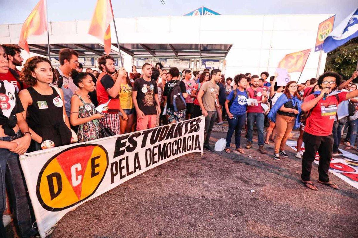 Estudantes da UFRN pela Democracia! O movimento esdutantil não para. #EstudantesEmLuta #ContraOFascismo #MovimentoEstudantilResiste