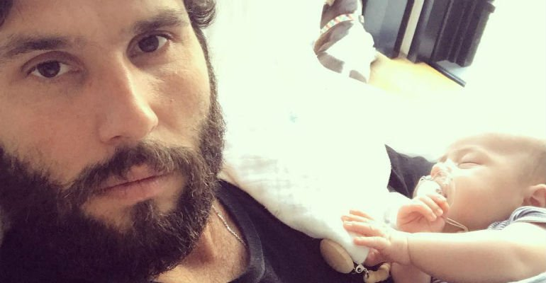 Dudu Azevedo ''explode fofurômetro'' ao mostrar fotos do filho 😍  Vem ver --> https://t.co/Ow5bdAl10F
