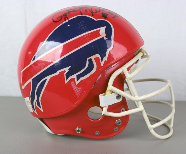 """This week's featured artifact is a helmet from former @buffalobills player Mark Kelso. The helmet has a protective """"Pro Cap"""" helmet attached.  More on the artifact of the week: https://t.co/J9DNO6ZRWE"""