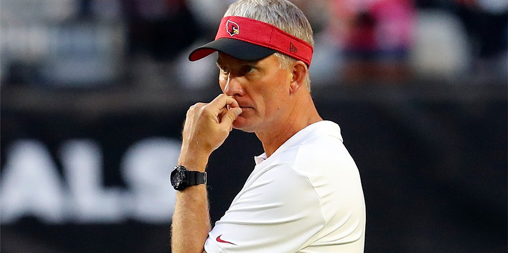 BREAKING: Cardinals fire OC Mike McCoy following blowout loss to Broncos (per @TomPelissero) https://t.co/mE3XO47fZt
