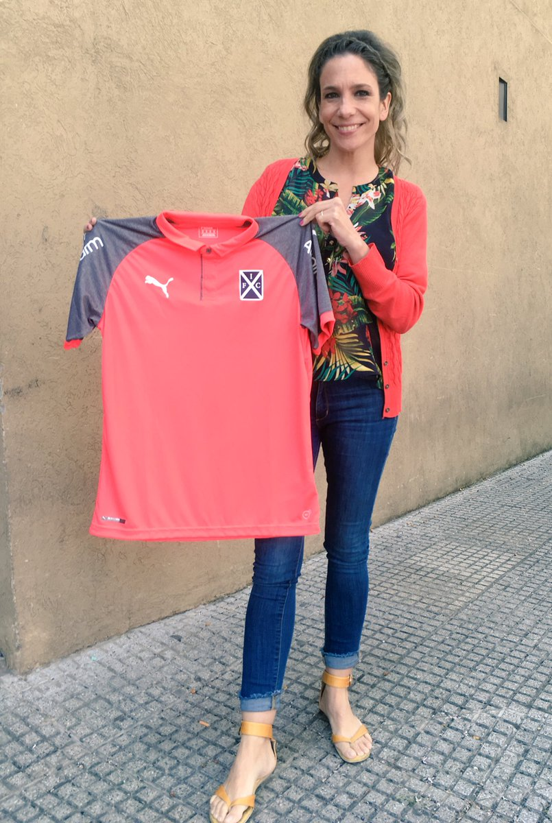 Independiente jugará el domingo contra Huracán con esta camiseta rosa para concientizar sobre el cáncer de mama. Además, habrá un mamógrafo en el estadio para hacerse estudios. 👏🏼👏🏼👏🏼 #PonerleElPecho @PUMAArgentina