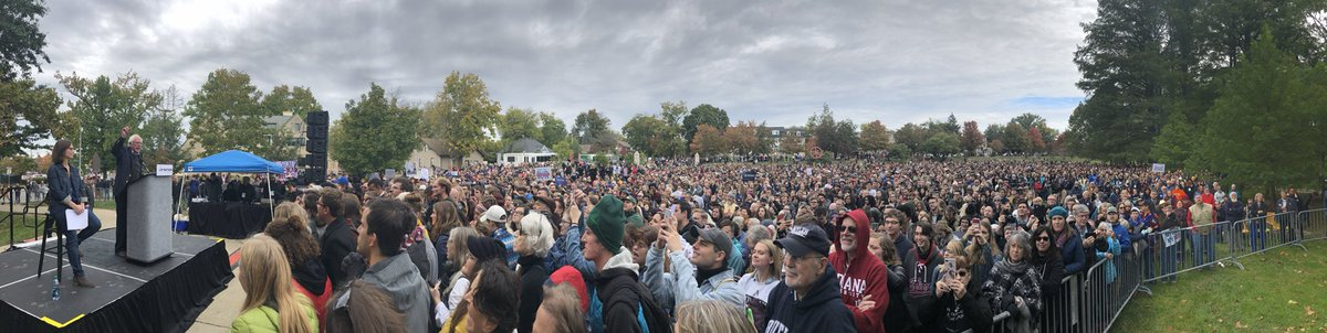 Monster crowd in Bloomington, IN for Bernie and @LizForIndiana