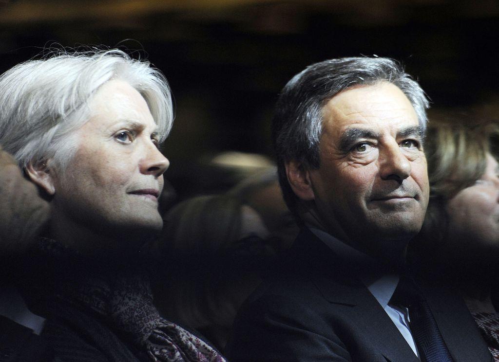 Le couple Fillon mal barré : le patron de Penelope à la 'Revue des deux mondes' opte pour un 'plaider coupable' https://t.co/aGNiKgBKtF