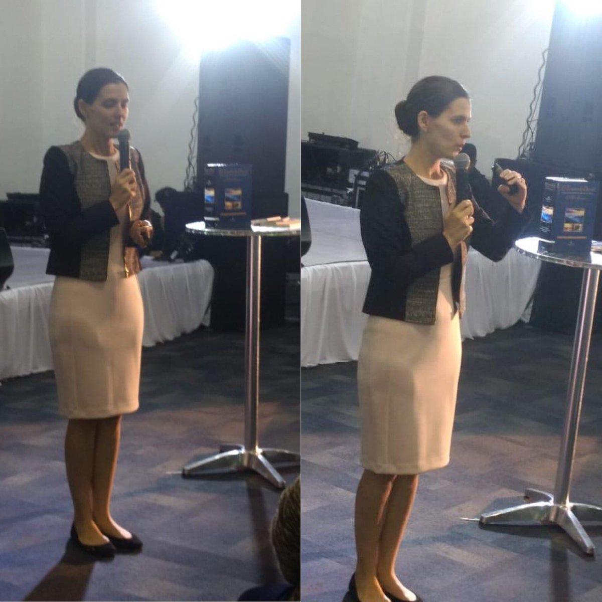 Esta tarde en #expocristiana2018 Anna ha compartido con Pastores las características de El Tesoro de David y cómo sacar provecho del mismo en la labor ministerial. @sinedie7 @eltesorodedavid #editorialclie