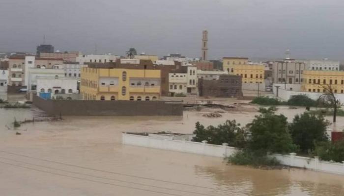 نزوح 3750 أسرة يمنية بسبب إعصار #لبان رابط الخبر | bit.ly/2Pcr3tz #اليمن #المهرة #اعصار_لبان #اعصار_لبان_المهره #اعصار_لبان_اليمن