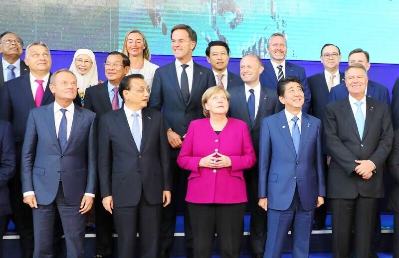 【SNS更新】「ASEM首脳会議では、北朝鮮の拉致、核、ミサイル問題の解決、自由で公正なルールに基づく貿易の強化などに向けて、アジアとヨーロッパの国々の一致したメッセージを、世界に向けて発信することができました。」総理メッセージの全文は https://t.co/oiCLGRNIbr https://t.co/JioUPQRRRE