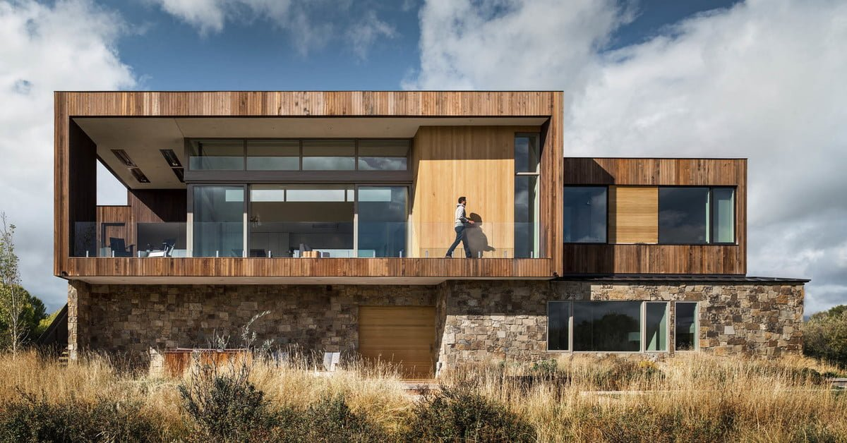 Teton Valley House is an Enviable Vacation Retreat Above the Trees bit.ly/2CUHO6G