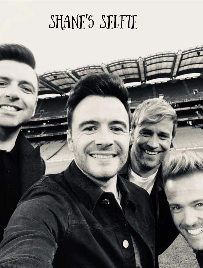 So who wins the #SelfieWar @westlifemusic you are keeping all us fans very busy but I love it! #WestlifeTwenty @ShaneFilan @NickyByrne @MarkusFeehily @KianEganWL (Bonus points to Mark for getting Louis in on the act 🤣) #LoveThemAll ❤️🎶❤️