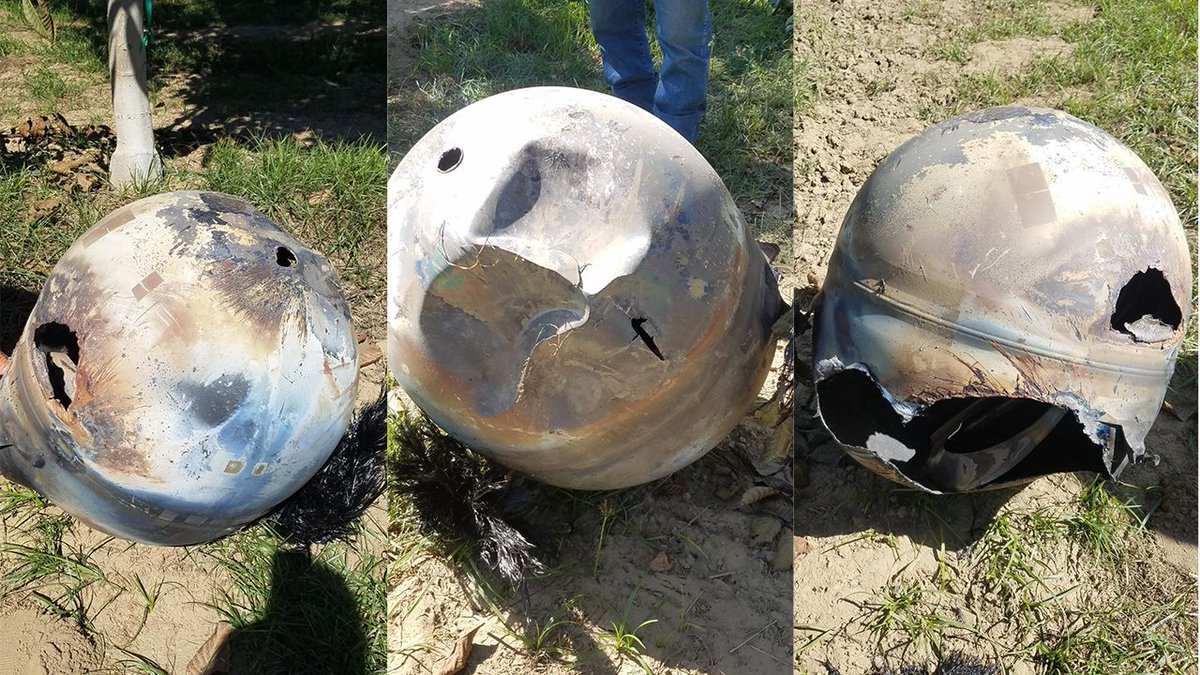 Space junk plunges out of orbit and crashes on #California farm (PHOTOS) https://t.co/3cp6W4RFm5 https://t.co/AeHuY5v1zN