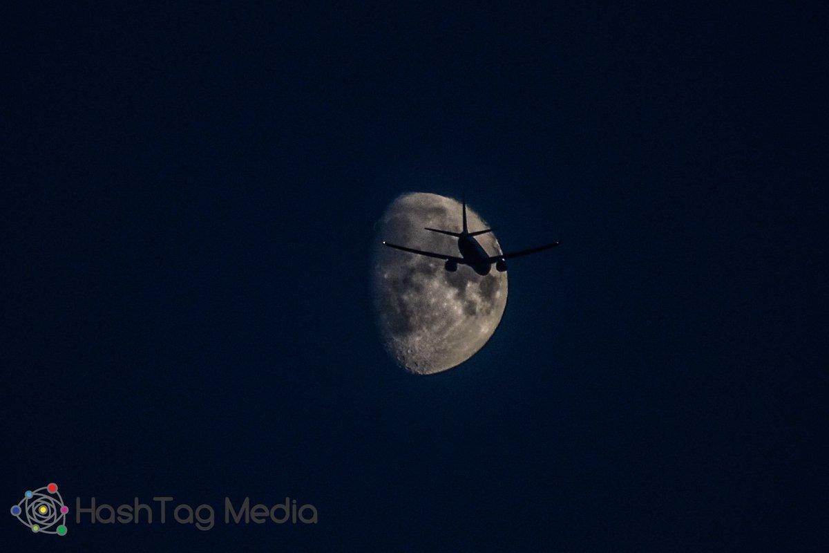 Hashtag Media Ythashtagmedia Twitter Profile Twipu Niion Lunar Running Black Plane Flying Over The Moon Shot With My Nikond3400 Nikonphotography