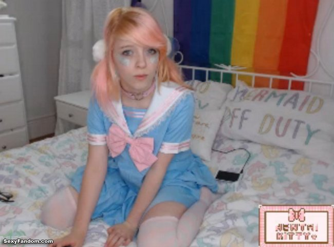 Sexy Fandom: Cute and Witty Hentai_Kitty https://t.co/tKV7HDVrfP...