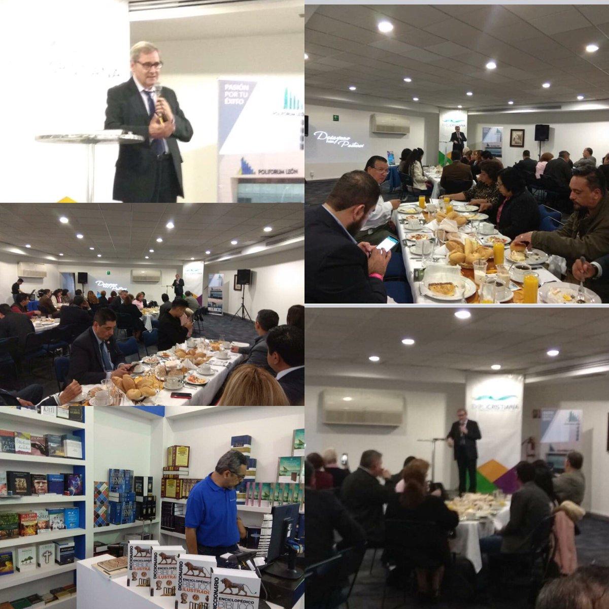Exposición de Alfonso Ropero en el  desayuno con los pastores, en la inauguración de #expocristiana2018 #editorialclie